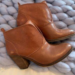 Nine West Ankle Booties Size 9 Cognac